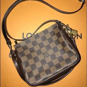 💯 Authentic Louis Vuitton Trousse Damier